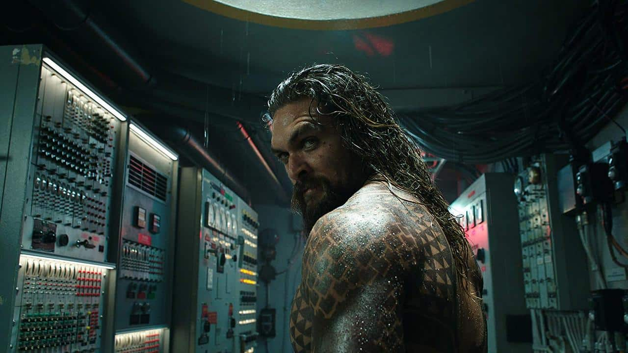 aquaman-dc-comics-jason-momoa-sturb